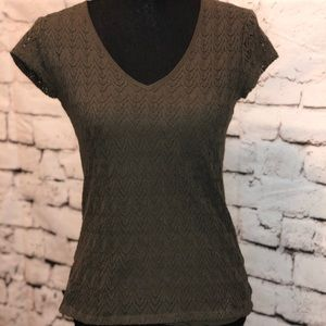 Like New Woman's Banana Republic lace v-neck top